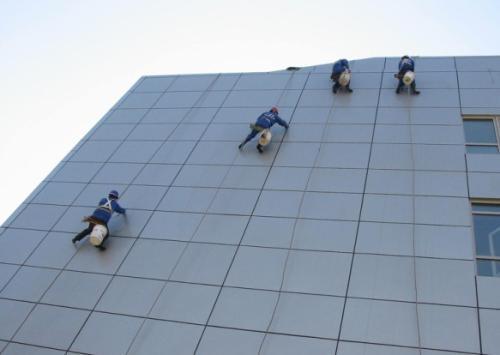 大楼外墙玻璃清洁