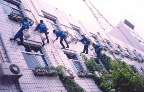 广东的蜘蛛人外墙清洁多少钱